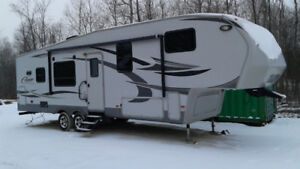 2011 Cougar 5th Wheel Trailer