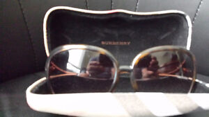 LADIES SUNGLASSES BY BURBERRY MODEL 125 3N IN GREAT CONDITION