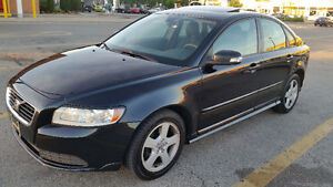 2008 Volvo S40,Manual,runs and looks great.Tune-up done