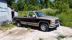 1993  Chevy 1/2 ton Peterborough Peterborough Area image 1