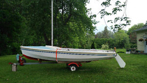 """Unsinkable"" CL-16 Sailboat in Very Good Condition"