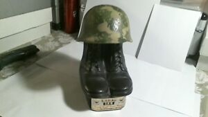 ARMY BOOTS & HELMET BOTTLE