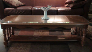 Solid wood Tuscan style coffee table with custom cut glass top Peterborough Peterborough Area image 3