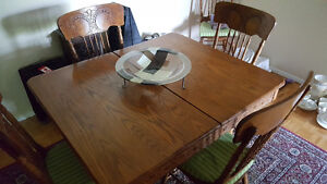 ANTIQUE Solid OAK Dining Room Table with 6 PRESSBACK chairs