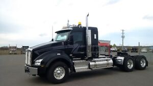 "Kenworth T880 with 40"" Sleeper"