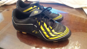 Adidas F5 Cleats-Size 6