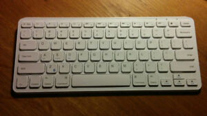 Clavier Bluetooth Anker Ultra Compact comme neuf
