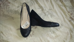 Pennington wedges size 11