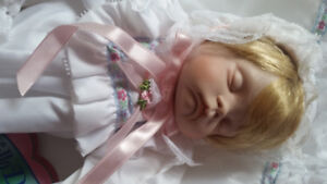 HELLO DOLLY BABY DOLLY 16 Porcelain with 20 Soft Pillow