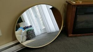 GOOD QUALITY -LARGE OVAL MIRROR - GOLD METAL FRAME