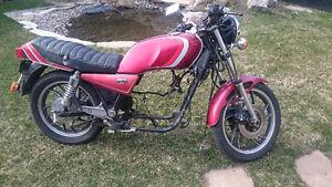 1982 Yamaha XJ650 RJ Projet/Pièces