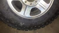 almost new Goodyear duratrac 275/70/18