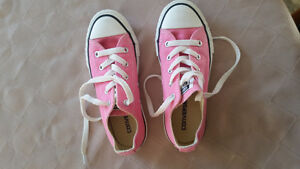 Pink converse shoes size 13