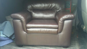 Brown leather modern chair in great condition. FREE DELIVERY