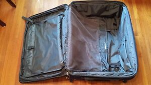 """Travel Pro Crew 6 28"""" Expandable Roller Board Suitor Suitcase Kingston Kingston Area image 6"""