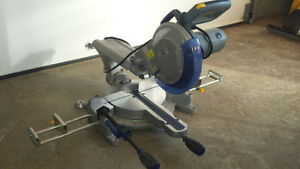 sliding compound mitre saw