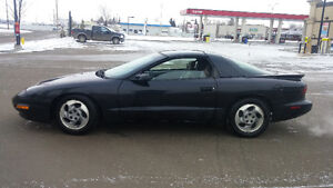 1994 Pontiac Firebird 6 cylinderT tops Hatchback
