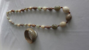 BEADED NECKLACE AND MATCHING BRACELET