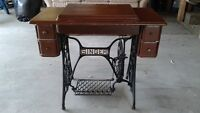 1902 Singer Vintage Treadle Operated Sewing Machine w/Cabinet