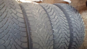 Goodyear Nordic 215/55 R17 with rims / avec jantes West Island Greater Montréal image 1