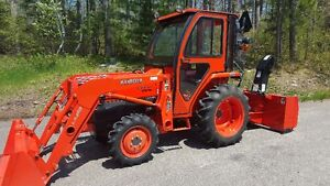 L3400 Kubota Tractor w/t snow blower,loader and cab