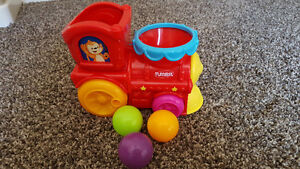 PlaySkool Poppin Park Roll and Pop Express