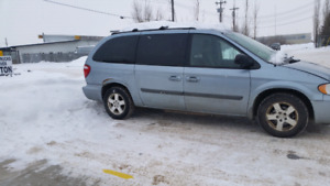 2006 Dodge Grand Caravan with stow n go (DVD player)