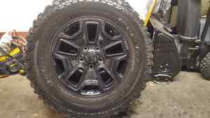 5x BF Goodrich KM Mud Terrain LT255/75R17 tires and Willy's rims West Island Greater Montréal image 2