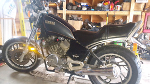 1985 XV Virago 500 very low KM !!!