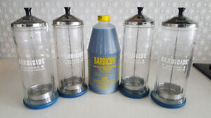 5 VINTAGE TALL GLASS BARBICIDE JARS & SOLUTION FOR SALONS & SPAS