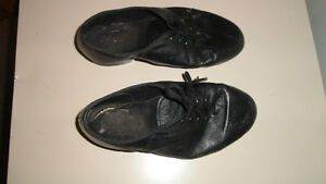 Girl's Tap Shoes - Size 6.5