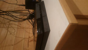 Playstation 4, two controllers + 6 games