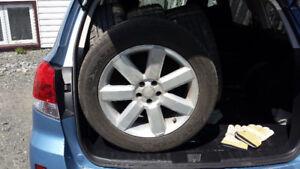 4 pneus sur mags 17''********* VRAI AUBAINE *******************