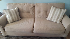 Couch and Love seat set. Great condition!!