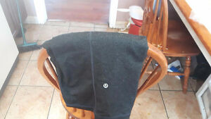 X-Large Cappri Lulu Lemon Pants - Excellent conditoin