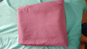 King size duvet cover. Great zipper quality.