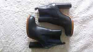 NEW Chloe Chelsea Boots Size 10  Peterborough Peterborough Area image 3