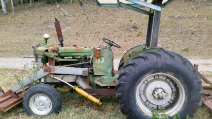 1960s John Deere 2010 tractor for parts or garden art Wollombi Cessnock Area Preview