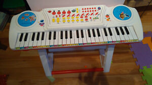 Elmo Keyboard with stand