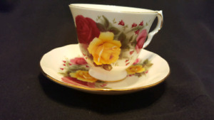 Queen Anne Cup an Saucer