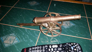 Awesome vintage brass Cannon only $35 see my other ads. ........ London Ontario image 1