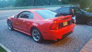 mustang 2001 gt  a vendre 3000$