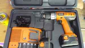 RIGID 12 VOLT CASE AND 2 BATERIES POWER DRILL Kingston Kingston Area image 1