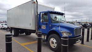 2008 freight-liner 22 ft straight box truck