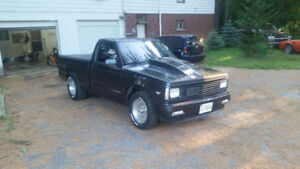 S10 V8 pick up for sale
