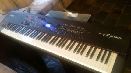 Yamaha s90xs synthesizer  Roleystone Armadale Area Preview