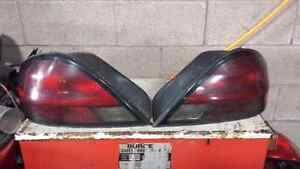 RIGHT TAILIGHT FOR A 2000 GRAND AM GT Windsor Region Ontario image 1
