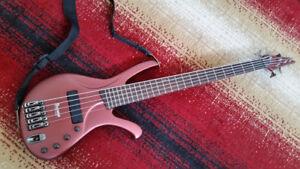 IBANEZ ERGODYNE EDA905 5 STRING BASS GUITAR