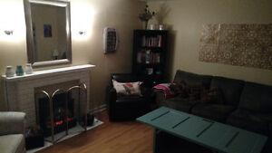 Room for Sublet - 5 Minutes to MUN - Female Student St. John's Newfoundland image 3
