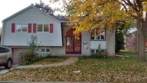 House Rental In Dollard-des-Ormeaux